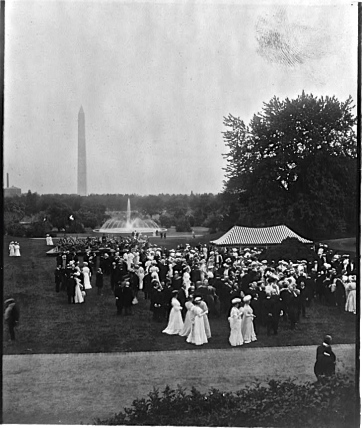 President Theodore Roosevelt hosted this lawn party about 1905. Photo by Underwood & Underwood.