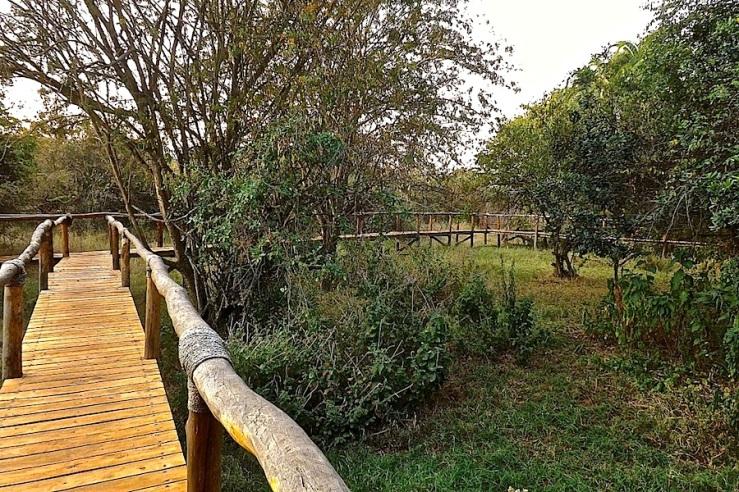 Boardwalk, Ruzizi Tented Lodge, Akagera Nat'l. Park in Rwanda:enclos*ure