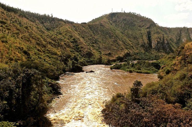 Hills above Rusumo Falls, Rwanda:enclos*ure