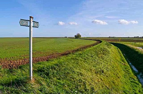Footpath near Gedney Drove End, Lincolnshire, by Guy Erwood.  The ditch is the Old Sea Bank.