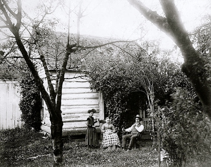 Vintage landscape/enclos*ure: family in garden via UW Commons