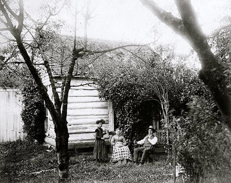 Vintage landscape/enclos*ure: family in garden via UW Commons