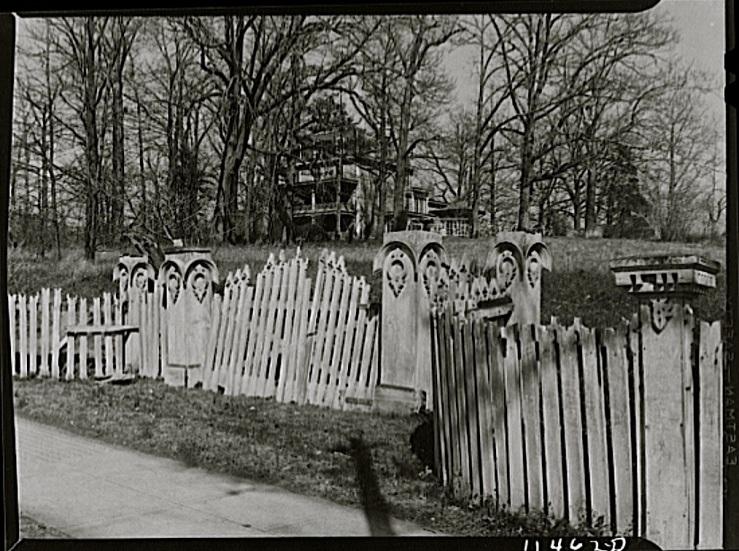 Vintage landscape/enclos*ure: Georgia Avenue gate, Library of Congress