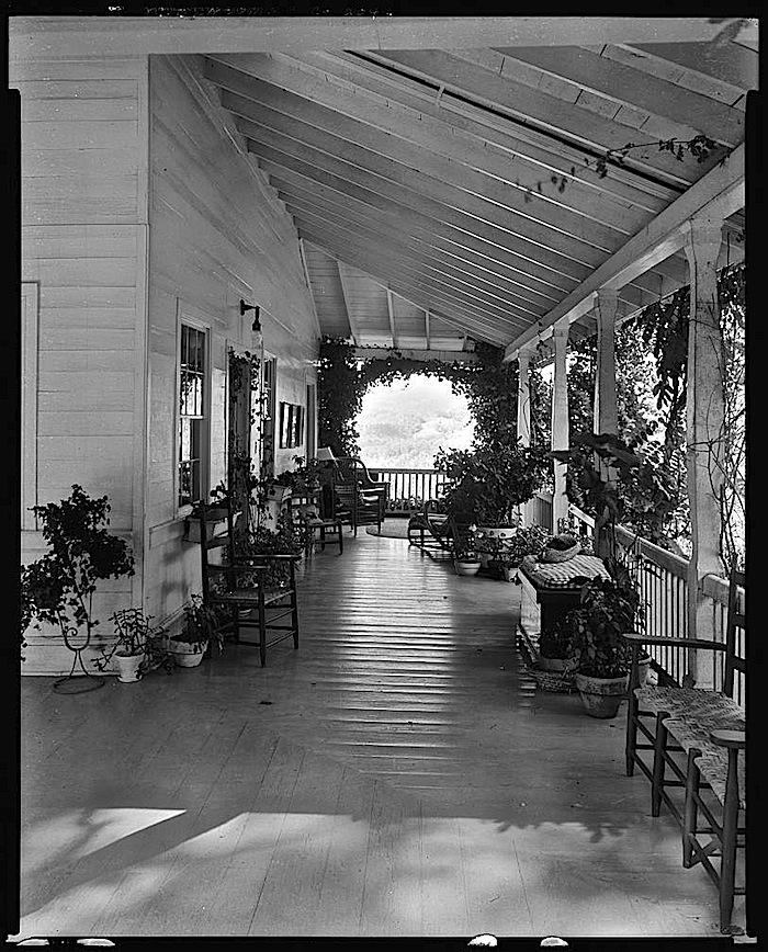2ba Sherrill Inn, North Carolina, 1938, via Library of Congress