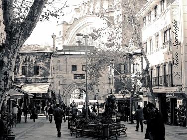 Nuru Osmaniye Avenue.