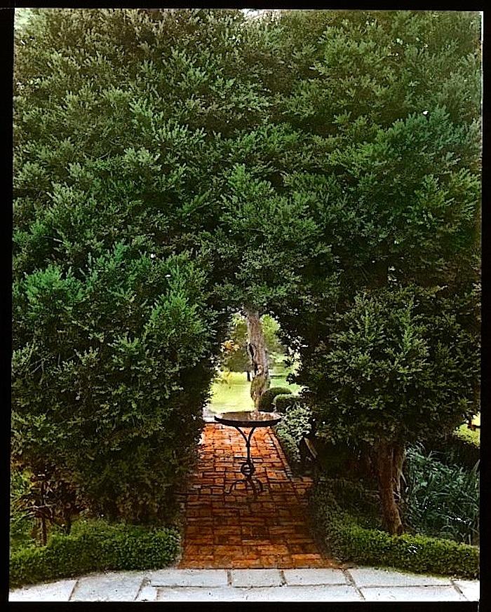 #1, Nelson Hse. garden, ca. 1930, FBJohnston, LoC