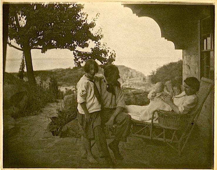 Ruyl family, via Library of Congress