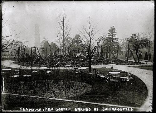 Kew Garden tea hse burned, LoC