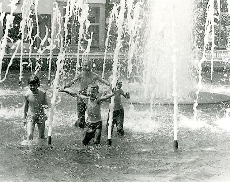 Gore Park Fountain, 1960s, Hamilton Public Library
