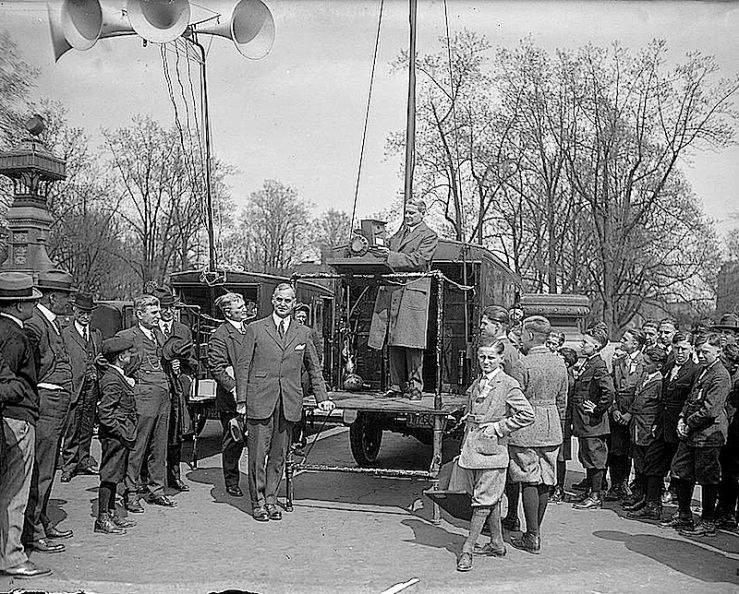 Sen. Pepper, Birdhouse Contest, 1924, Library of Congress
