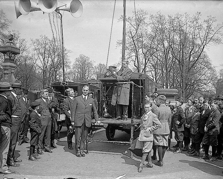 Sen. Pepper, Birdhouse Contest, 1924, Library of Congress