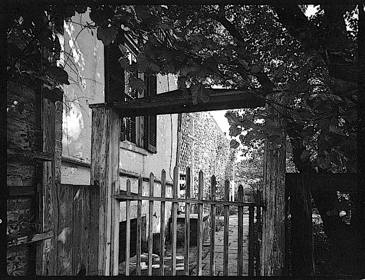 1985-The Sunday porch:enclos*ure-  J. B. Valle Hse, Mo., HABS, Library of Congress