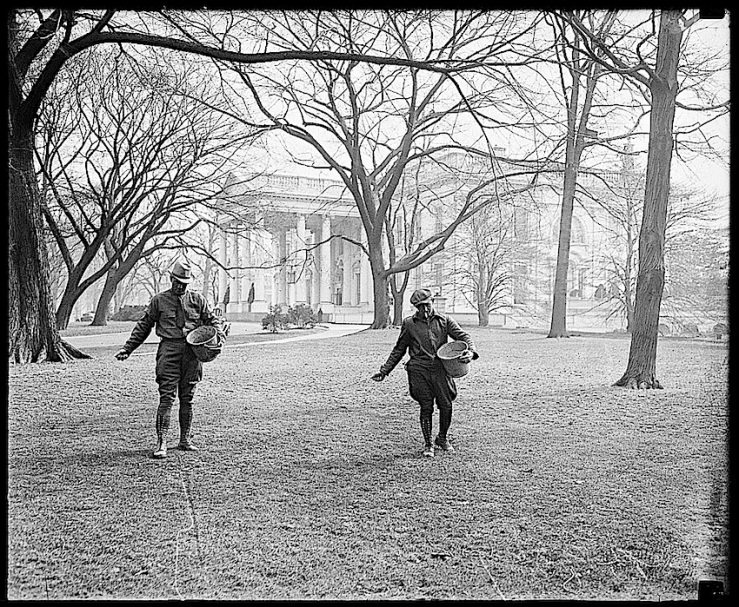 Gardeners at the 1936 White Hse., Library of Congress
