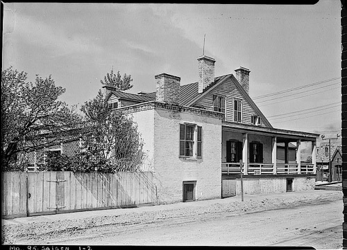 The Sunday porch:enclos*ure- 1934 J. B. Valle Hse, Mo., S.W. view, HABS, Library of Congress