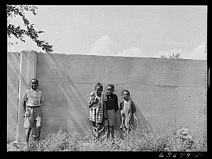 Detroit wall, 1941, J. Vachon, Library of Congress