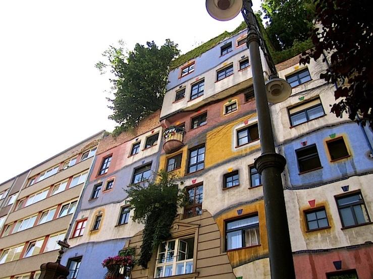 Hundertwasser Hse., Vienna, by enclos*ure