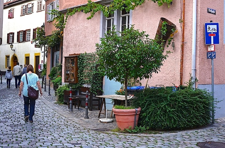 Esslingen, Germany, doorway, by enclos*ure