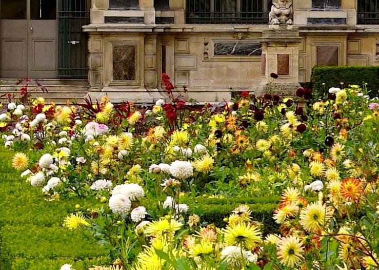 Jardin de l'infante,detail 2, Louvre, Paris, Sept 2015, by enclos*ure