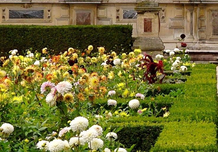Jardin de l'infante,detail, Louvre, Paris, Sept 2015, by enclos*ure