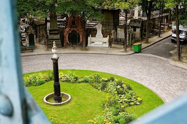 Montmartre Cemetery, Sept. 2015, by enclos*ure