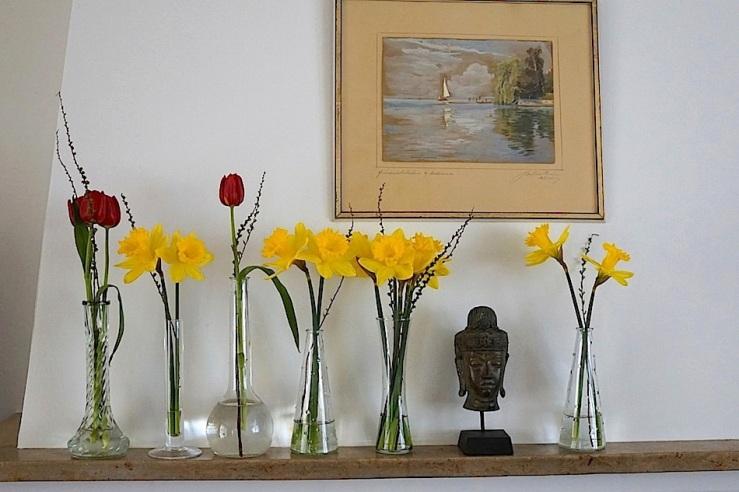 18 In a vase, Mar. 21, enclos*ure
