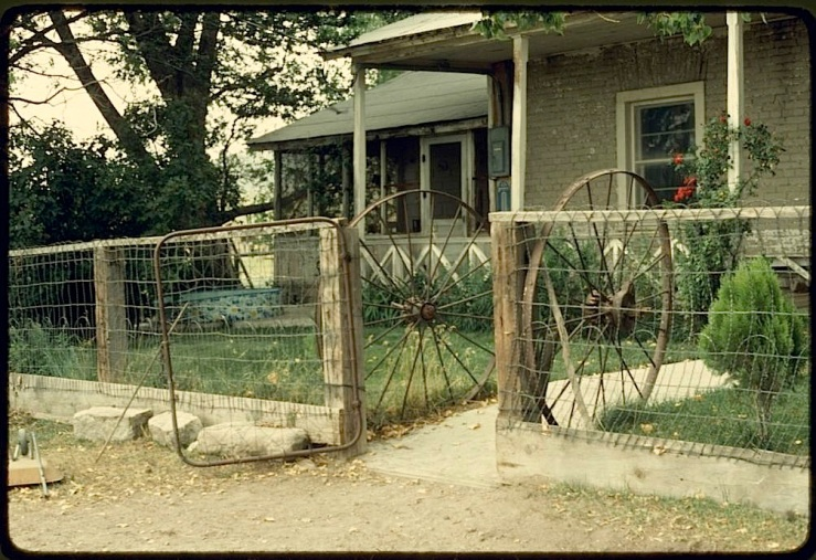 Fort Scott Ranch gate, 1978, Library of Congress