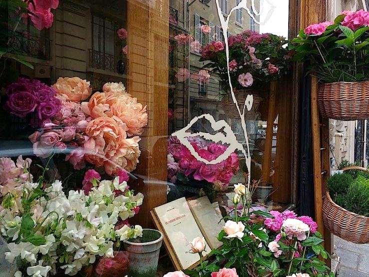 In a vase on Monday, Paris window, May 30, 2016, enclos*ure