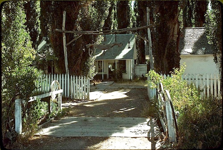 Ninety-Six Ranch house gate, Paradise Valley, 1978, Library of Congress