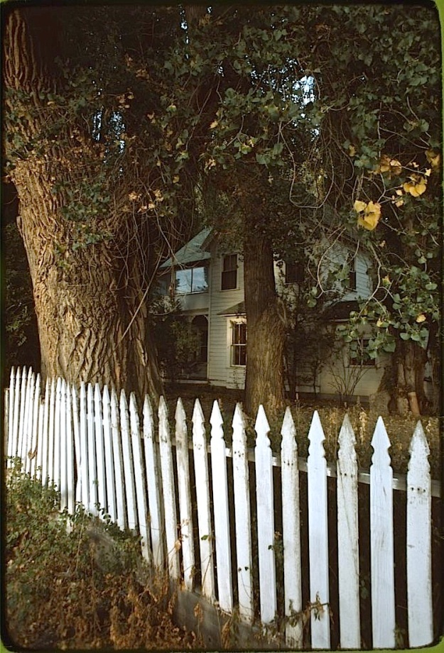 White fence, Paradise Valley, Library of Congress