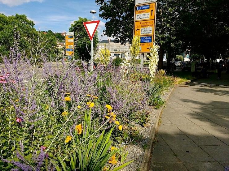 4 Karlsplatz, Stuttgart, July 2016, enclos*ure