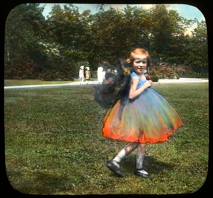 2 Child:ren in wildflower costumes, Chicago, ca. 1920, The Field Museum Library