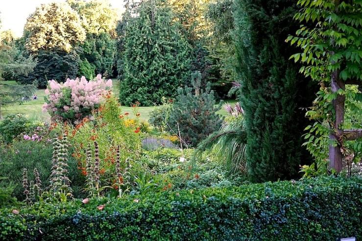 21a Hohenheim garden, Aug 23, 2016, enclos*ure