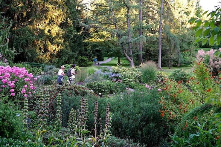 22a Hohenheim garden, Aug 23, 2016, enclos*ure