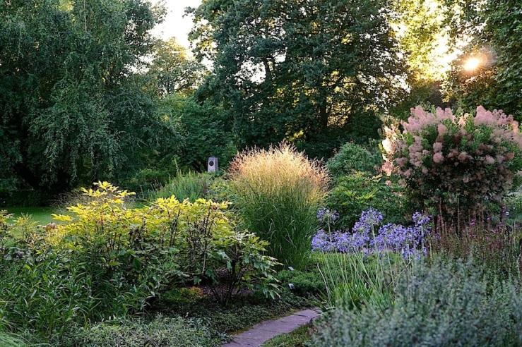 7a Hohenheim garden, Aug 23, 2016, enclos*ure