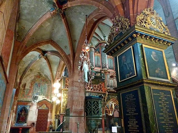 St. Pierre le Jeune 12, Strasbourg, Aug2016, by enclos*ure