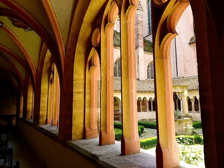 St. Pierre le Jeune 5, Strasbourg, Aug2016, by enclos*ure