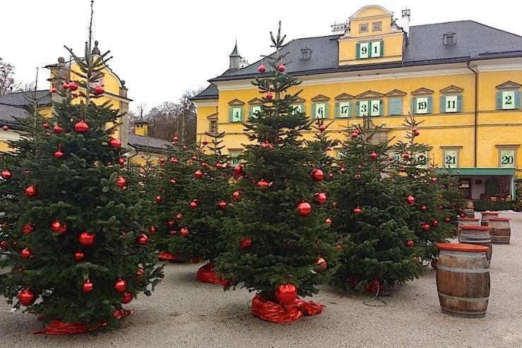 1a-hellbrunn-palace-salzburg-enclosure