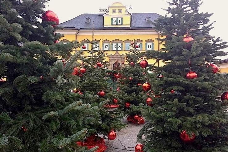 2-hellbrunn-palace-salzburg-enclosure