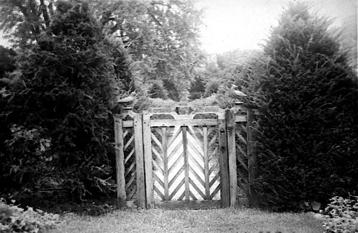 gate-at-dumbarton-oaks-1938-osu-special-collections-flickr