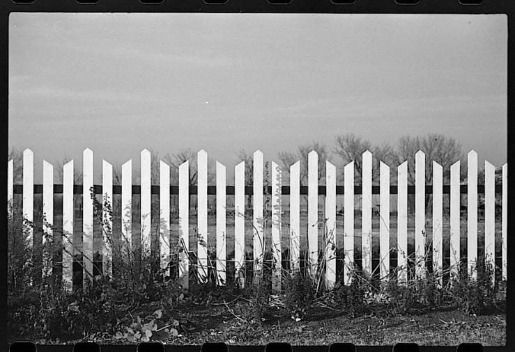 no-dakota-fence-full-j-vachon-1940-library-of-congress