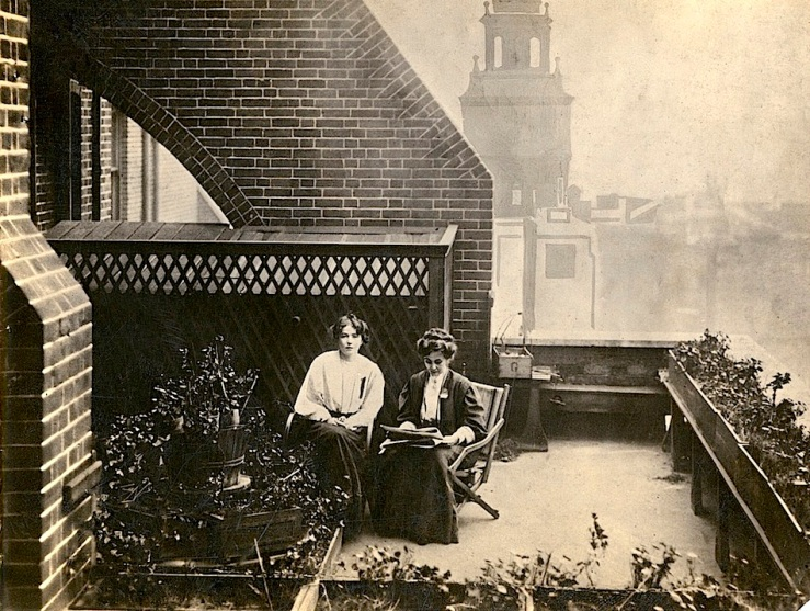 pankhursts-on-roof-garden1908-lse-library