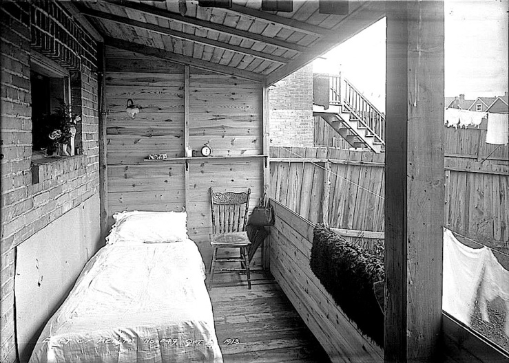 sleeping-porch-1913-city-of-toronto-archives
