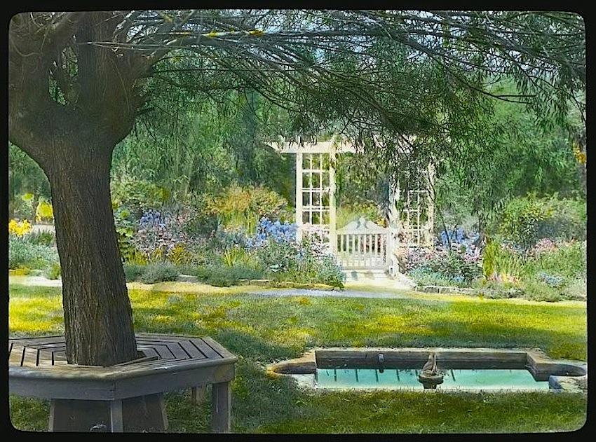 Grey Gardens – enclos*ure